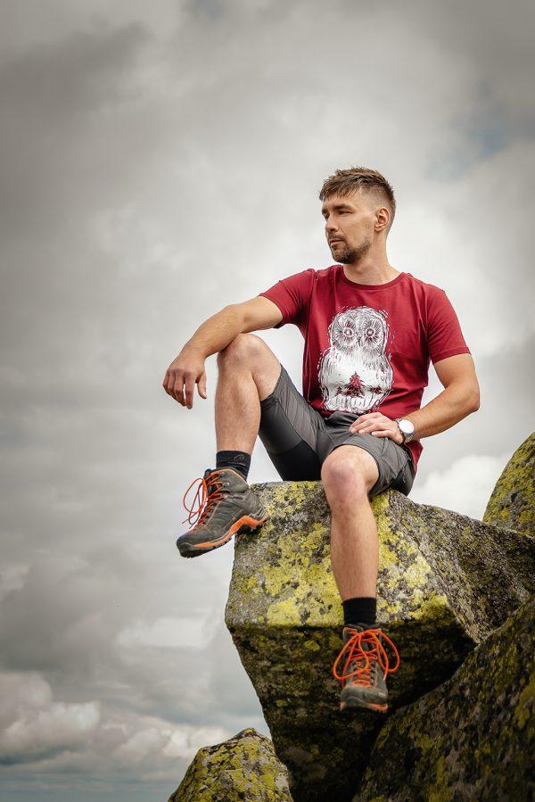 Unisex bordové tričko sova lesná Lowearth